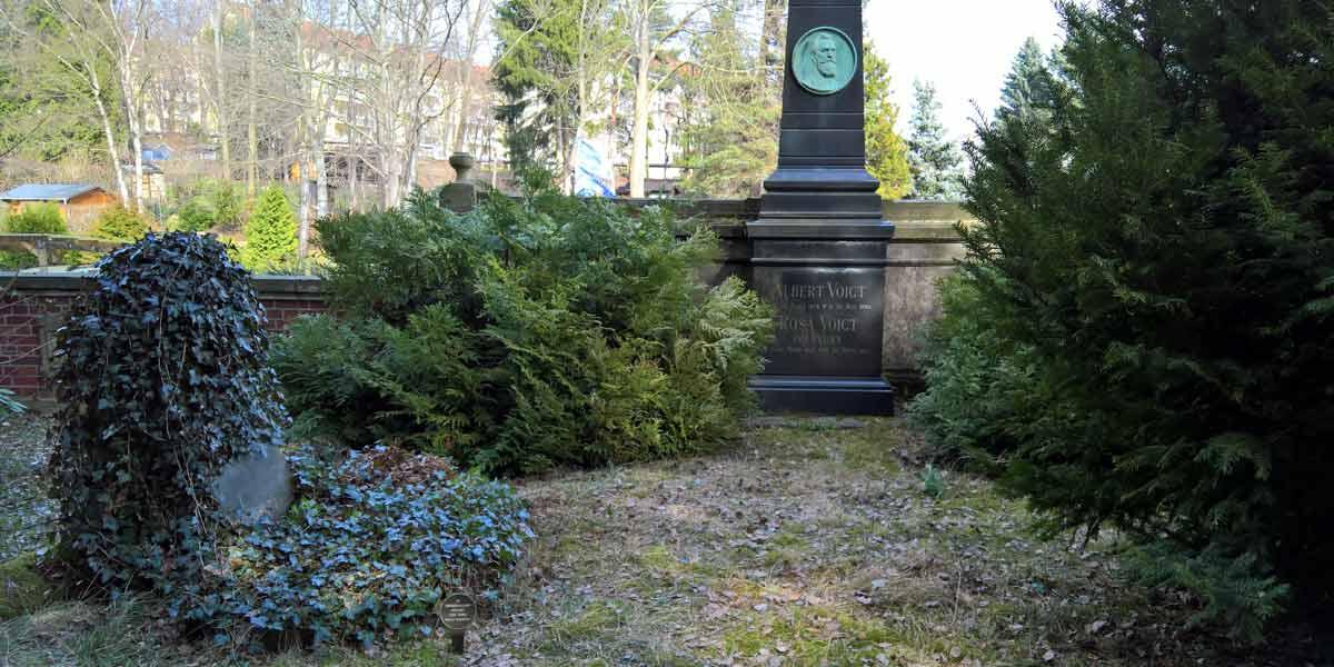 Grabpflege- Patenschaft historische Grabstätte Fam. Voigt Nikolaifriedhof Chemnitz